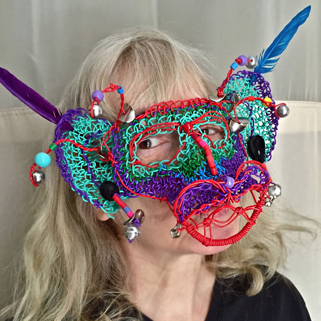 Twisteezwire mardigras mask