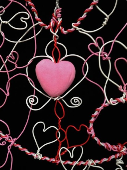 detail wire heart