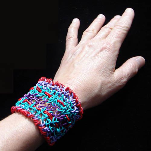 Twistee zwire macrame bracelet